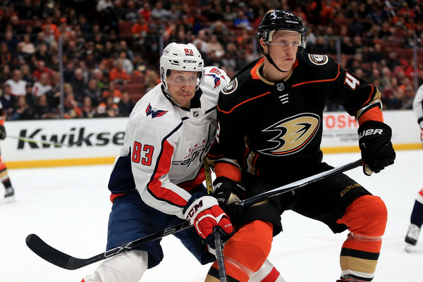 Jay Beagle Photos Photos - Washington Capitals Vs. Anaheim Ducks ... 8d32c8938c0