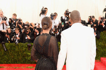 Jay-Z Beyonce Knowles Red Carpet Arrivals at the Met Gala — Part 3