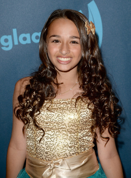 jazz jennings dating alex Jazz jennings (born october 6, 2000) is an american transgender teenage girl, youtube personality, spokesmodel, television personality and lgbtq rights activist.