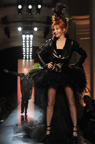 http://www2.pictures.zimbio.com/gi/Jean+Paul+Gaultier+Runway+Paris+Fashion+Week+6pXqQtaSrc9l.jpg
