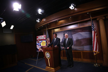 Jeff Flake Senators McCain and Flake Discuss Gov't Report on DoD Paying Sports League to Honor Servicemen
