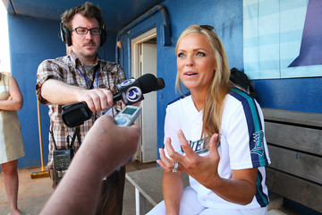 Jennie Finch Jennie Finch Manages the Bridgeport Bluefish