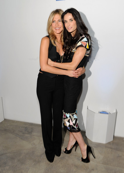 Photo of Jennifer Aniston & her friend celebrity  Demi Moore - Teenage
