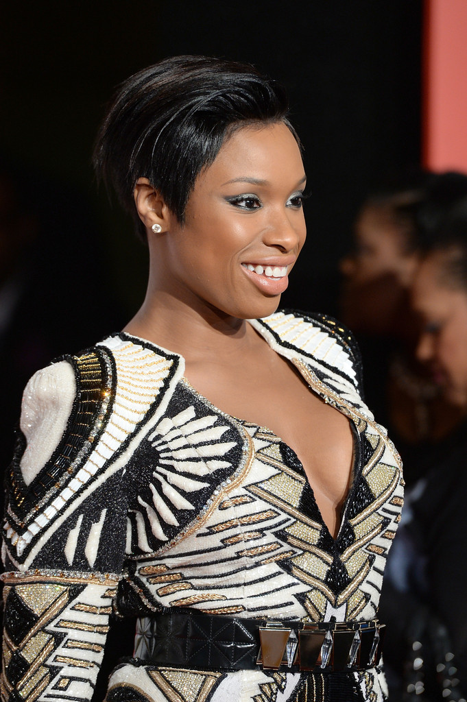 http://www2.pictures.zimbio.com/gi/Jennifer+Hudson+Arrivals+Soul+Train+Awards+ut95M559Qmox.jpg
