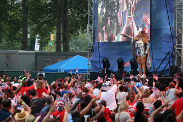 Jennifer Hudson Jennifer Hudson And Meghan Trainor Rock Wawa Welcome America's July 4th Concert On The Benjamin Franklin Parkway