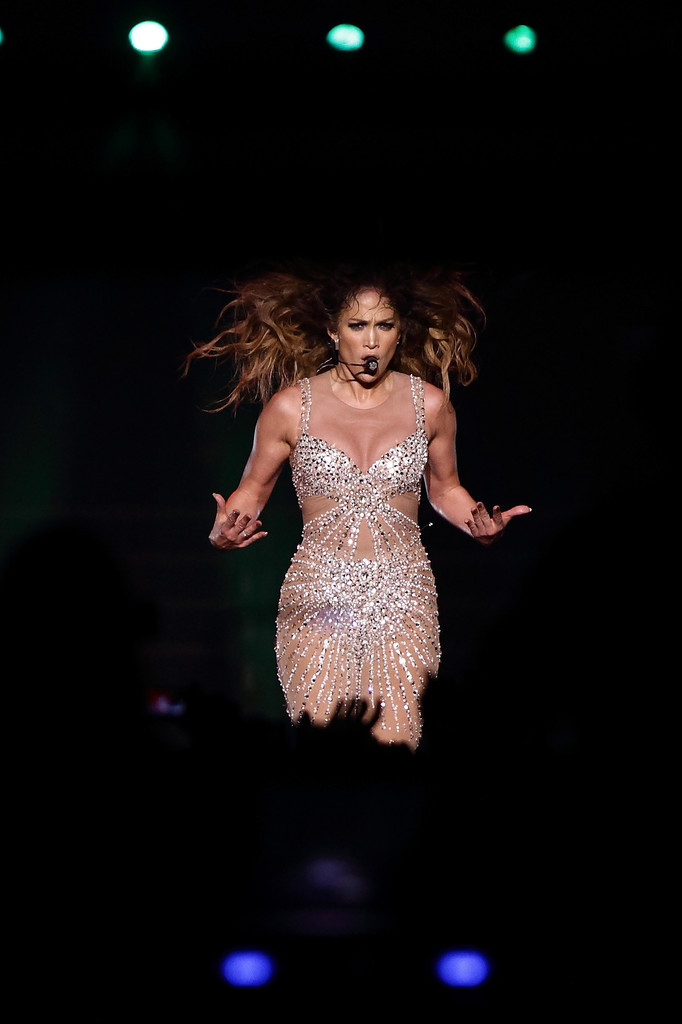 Jennifer lopez live in singapore zimbio Where does jennifer lopez live