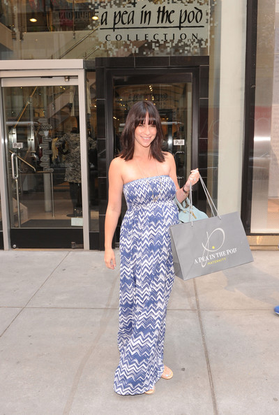 Jennifer Love Hewitt - Jennifer Love Hewitt Shops for Maternity Clothes