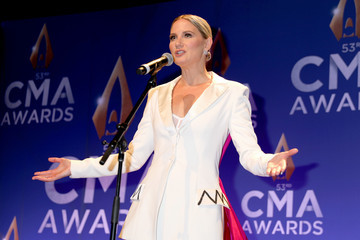 Jennifer Nettles The 53rd Annual CMA Awards - Press Room