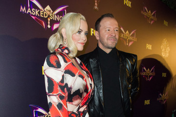 Jenny McCarthy Donnie Wahlberg Fox's 'The Masked Singer' Premiere Karaoke Event - Red Carpet
