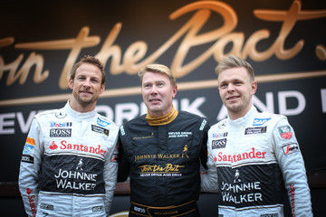 Jenson Button Johnnie Walker Joins the Pact