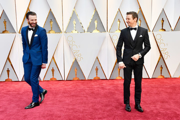 Jeremy Renner Chris Evans 89th Annual Academy Awards - Arrivals