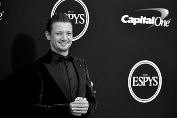 Jeremy Renner The 2017 ESPYS - Arrivals