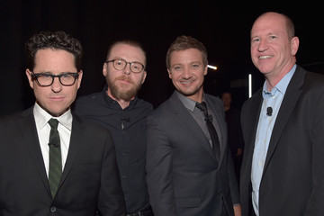 Jeremy Renner CinemaCon 2016 - Gala Opening Night Event: Paramount Pictures Exclusive Presentation