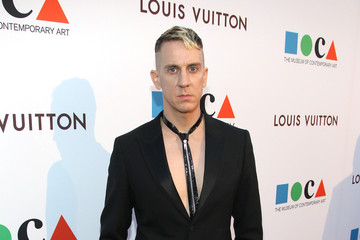 Jeremy Scott MOCA's 35th Anniversary Gala Presented By Louis Vuitton At The Geffen Contemporary At MOCA - Red Carpet