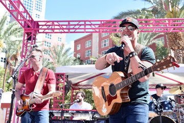 Jerrod Niemann ACM Pool Party for a Cause