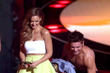 Jessica Alba MTV Movie Awards Show
