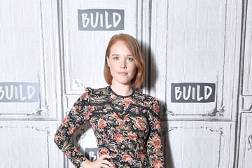 Jessica Keenan Wynn Celebrities Visit Build - August 6, 2018