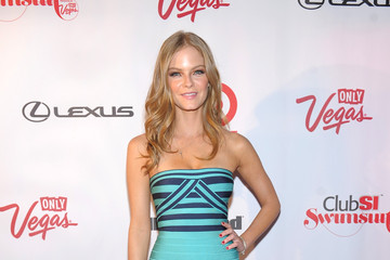 Jessica Perez Club SI Swimsuit Hosted By 1 OAK Nightclub At The Mirage, Las Vegas