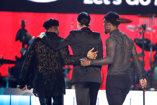 BET Presents: 2017 Soul Train Awards - Show [red,performance,product,event,youth,fashion,stage,performing arts,music artist,singing,luke james,jessie j,ro james,l-r,orleans arena,las vegas,nevada,bet,bet presents: 2017 soul train awards,show]