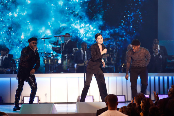 BET Presents: 2017 Soul Train Awards - Show [performance,entertainment,performing arts,music artist,stage,concert,event,public event,performance art,music,luke james,jessie j,ro james,l-r,orleans arena,las vegas,nevada,bet,bet presents: 2017 soul train awards,show]