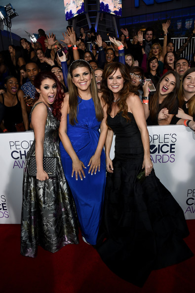 Arrivals at the People's Choice Awards — Part 2 [premiere,dress,event,red carpet,carpet,fashion,flooring,fashion design,gown,formal wear,peoples choice awards,part,california,los angeles,nokia theatre la live,arrivals,actresses,nikki deloach,jillian rose reed,molly tarlov]