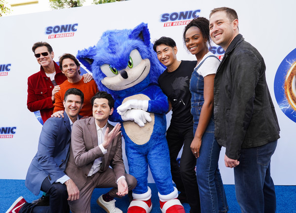 Sonic The Hedgehog Family Day Event - Red Carpet [mascot,team,event,technology,carpet,premiere,fan,family car,sonic,ben schwartz,jim carrey,james marsden,jeff fowler,tika sumpter,l-r,red carpet,sonic the hedgehog family day,event,ben schwartz,jim carrey,james marsden,jeff fowler,tika sumpter,sonic the hedgehog,tails,live action]