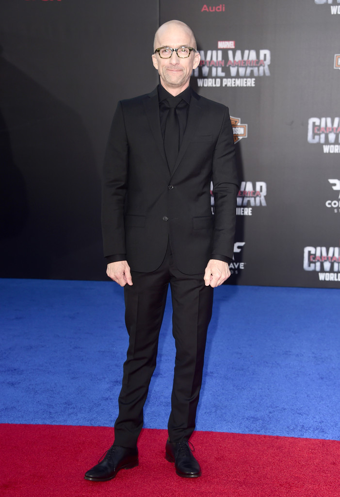 http://www2.pictures.zimbio.com/gi/Jim+Rash+Premiere+Marvel+Captain+America+Civil+85W3Ft0WTlxx.jpg