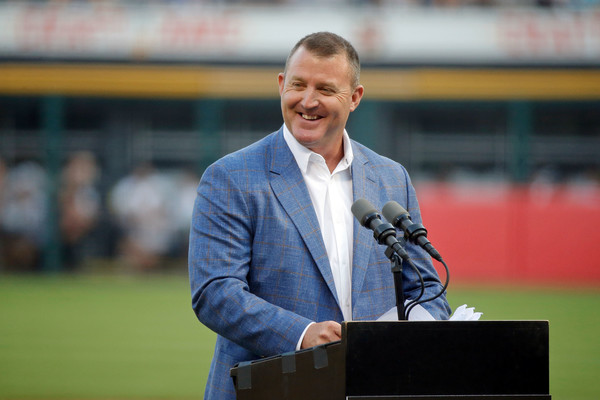 Cleveland Indians vs. Chicago White Sox [speech,public speaking,stadium,spokesperson,sport venue,coach,player,businessperson,orator,official,jim thome,speach,chicago,illinois,guaranteed rate field,cleveland indians,chicago white sox,game]