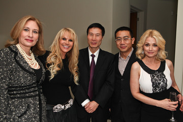Kathy Jacobs Joan Dangerfield Hosts Dinner Reception At Her Residence For Chinese Delegation's Official U.S. Visit
