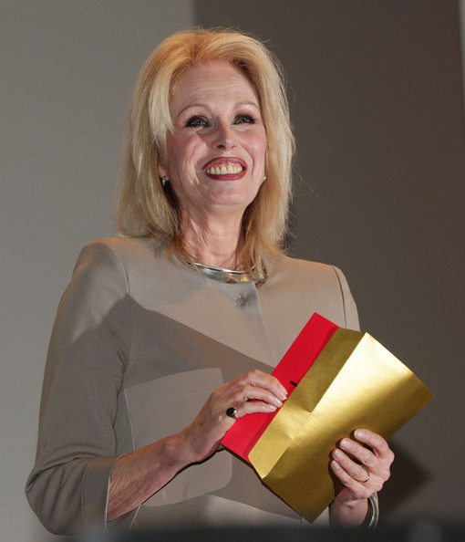 Joanna lumley pictures the prince 39 s trust l 39 oreal paris celebrate success awards award for Spence street swimming pool leicester
