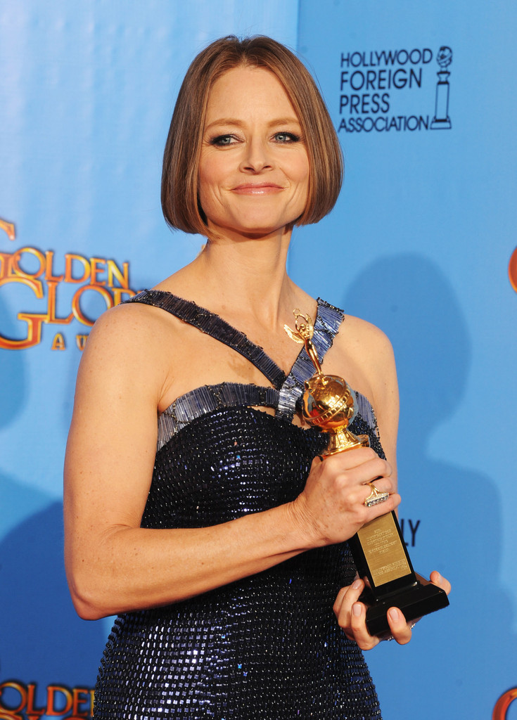 http://www2.pictures.zimbio.com/gi/Jodie+Foster+70th+Annual+Golden+Globe+Awards+a_Qxw08aEqex.jpg