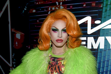 Jodie Harsh MAC Cosmetics Celebrates Jeremy Scott Collaboration