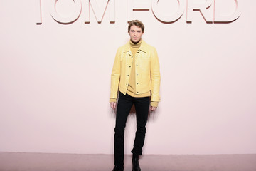 Joe Alwyn Tom Ford FW 2019 - Arrivals - New York Fashion Week: The Shows