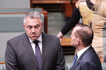 Joe Hockey Parliament Sitting Resumes in Canberra as Government Looks to Appoint New Speaker