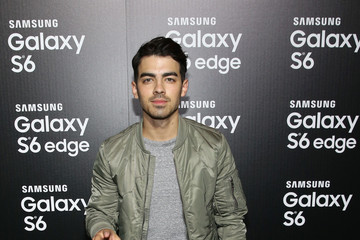 Joe Jonas Samsung Launches The Galaxy S 6 With Special Guests In Los Angeles