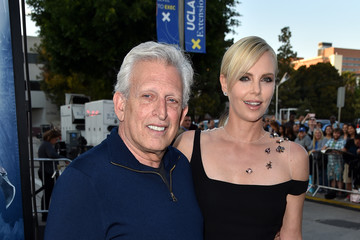 Joe Roth Premiere of Universal Pictures' 'The Huntsman: Winter's War' - Red Carpet