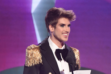 Joey Graceffa The 9th Annual Streamy Awards - Fixed Show