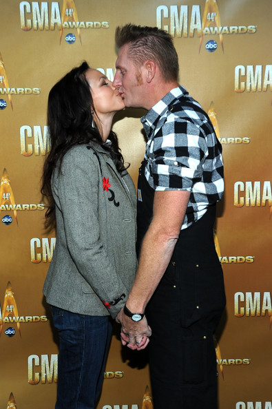Rory lee feek and joey martin feek at the quot country strong quot na