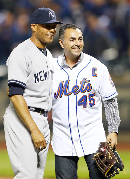 Rivera 42 Of The New York Yankees Poses With Former Mets
