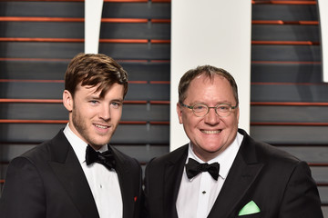 John Lasseter 2016 Vanity Fair Oscar Party Hosted By Graydon Carter - Arrivals