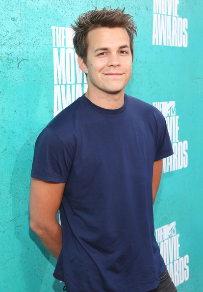 johnny simmons 21 jump street