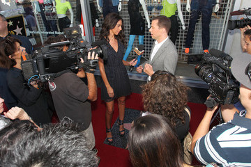Teri Seymour Jon Cryer Honored On The Hollywood Walk Of Fame