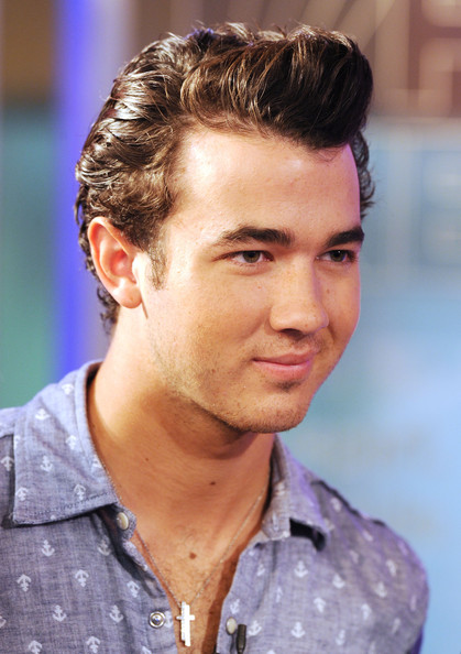 (EXCLUSIVE) Kevin Jonas of the Jonas Brothers visits