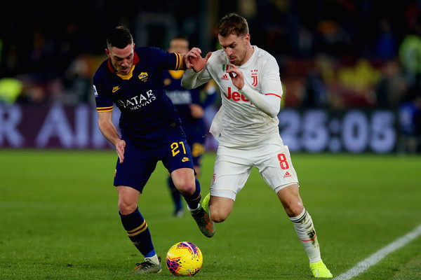 AS Roma vs Juventus - Serie A [player,soccer,sports,soccer player,sports equipment,football player,team sport,ball game,football,sport venue,juventus,as roma,serie a,jordan veretout of as roma,serie a match between as roma,rome,italy,shane smeltz,juventus f.c.,a.s. roma,2010 fifa world cup,uefa champions league,s.s.c. napoli,mauro camoranesi,aaron ramsey,stadio olimpico]