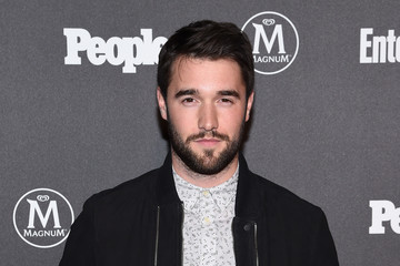 Josh Bowman Entertainment Weekly & People Upfronts Party 2016 - Arrivals