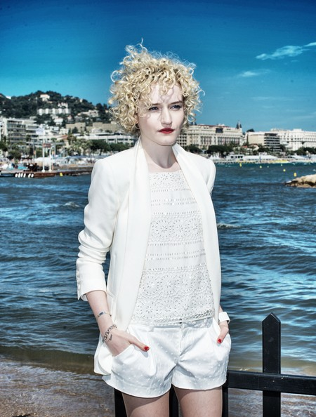 julia garner height