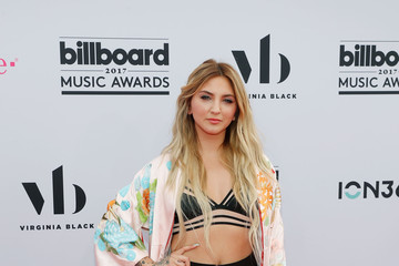 Julia Michaels 2017 Billboard Music Awards Presented by Virginia Black - Red Carpet
