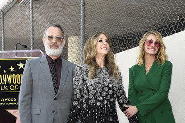 Julia Roberts Tom Hanks Rita Wilson Honored With Star On The Hollywood Walk Of Fame