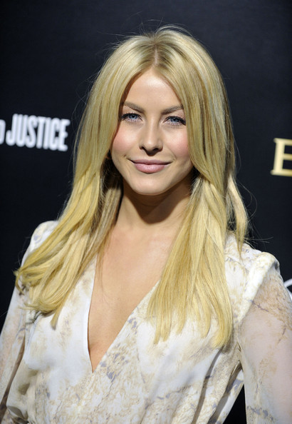 http://www2.pictures.zimbio.com/gi/Julianne+Hough+Bvlgari+Fundraiser+Benefitting+EronC8g5RV_l.jpg