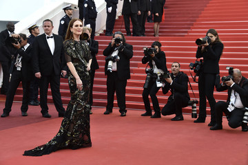 Julianne Moore 'Cafe Society' & Opening Gala - Red Carpet Arrivals - The 69th Annual Cannes Film Festival